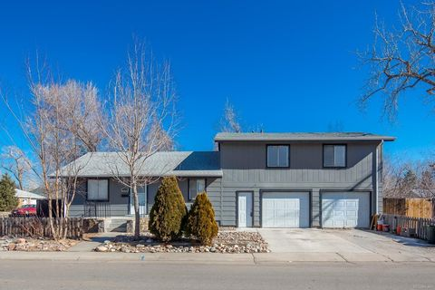 Photo of 2704 S Delaware St, Englewood, CO 80110