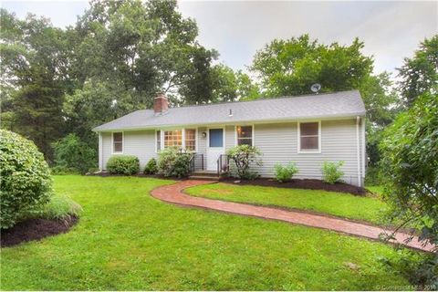 38 Cedar Grove Rd, Guilford, CT 06437