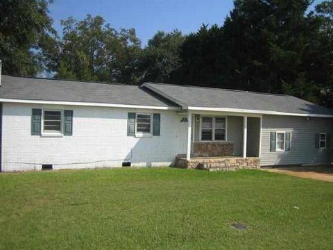 216 Thomson St, Centerville, GA 31028