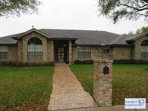1511 Eastridge Pkwy, Seguin, TX 78155