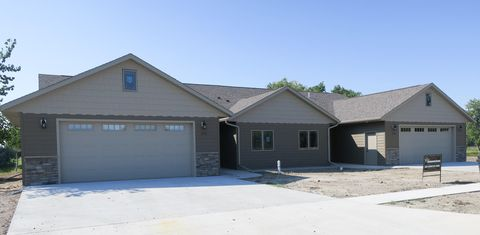 Photo of 203 Pheba Ave, Fort Pierre, SD 57532