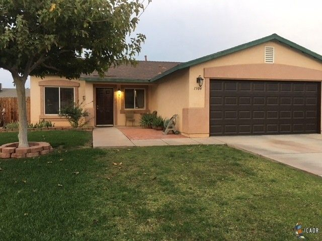 1304 David Navarro Ave, Calexico, CA 92231