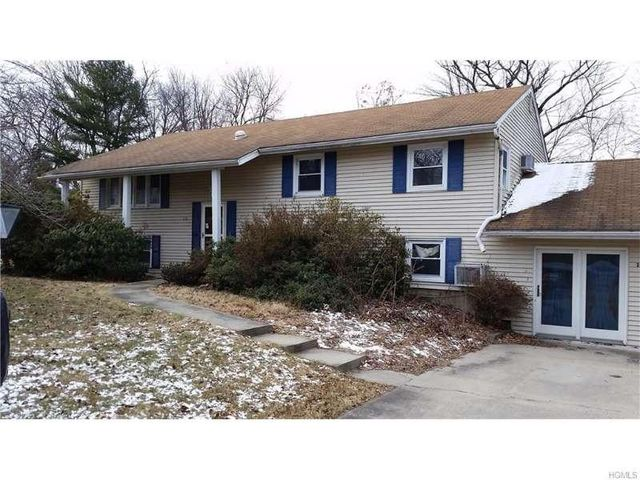 13 Lakeview Dr, Newburgh, NY 12550