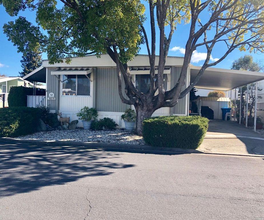 52 Somerset Dr, Santa Rosa, CA 95401