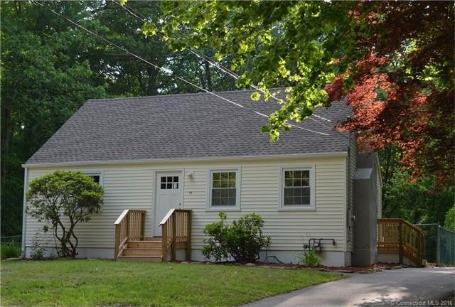 15 California Dr, Oakdale, CT 06370
