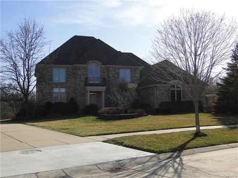 5907 Valley View Dr, Canton Township, MI 48187