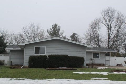 1801 Hoover St, Janesville, WI 53545
