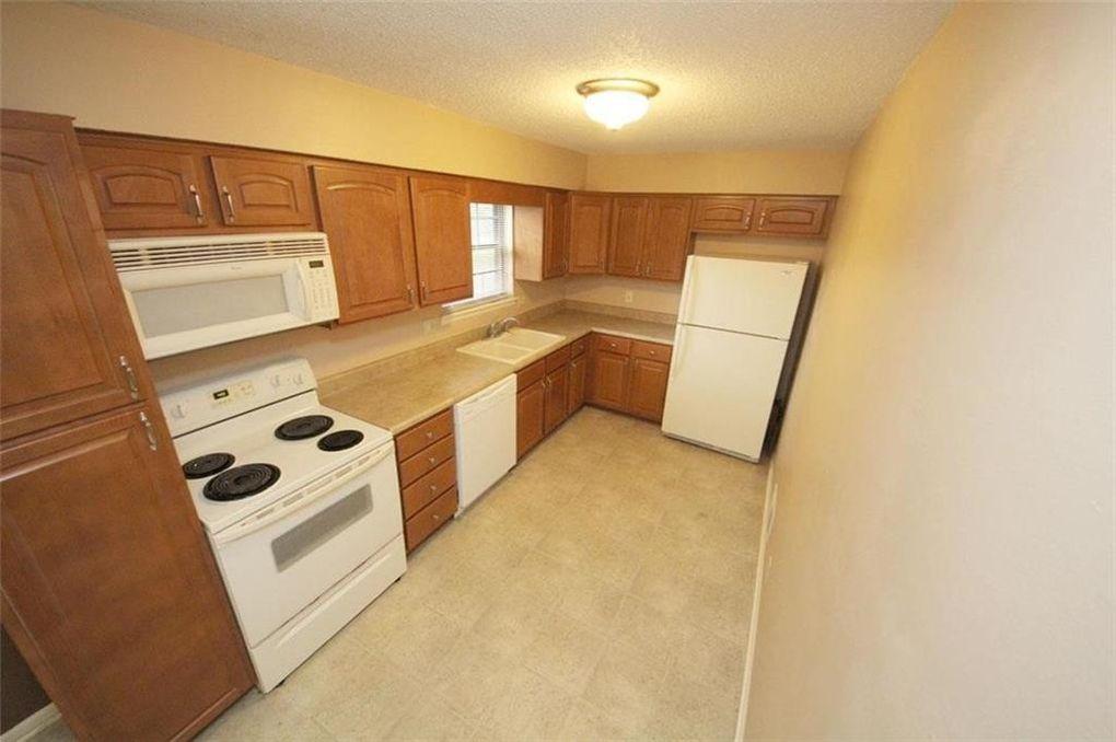 8330 Carter St, Overland Park, KS 66212