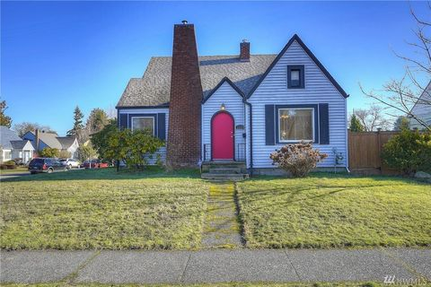 1119 N Alder St, Tacoma, WA 98406