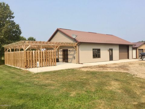Photo of 17352 Inlet Rd Nw, Angle Inlet, MN 56711