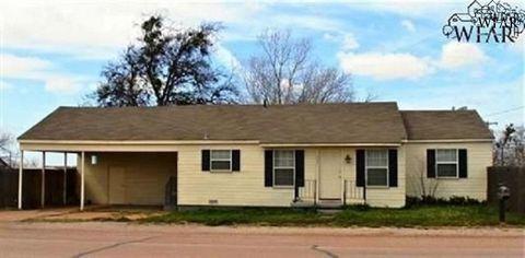 Photo of 405 N Bailey Rd, Electra, TX 76360