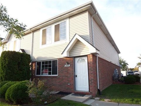 29780 Beverly Ln, Chesterfield Township, MI 48047