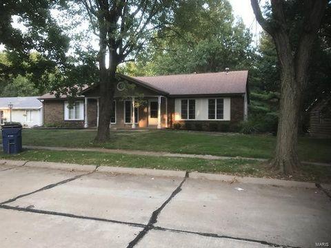 12718 Meadowdale Dr, Saint Louis, MO 63138