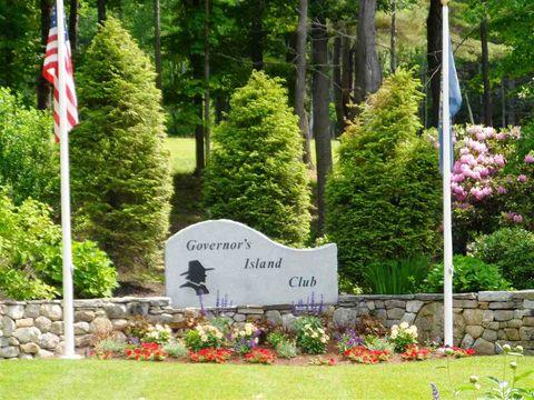 90 Blueberry Hill Ln, Gilford, NH 03249