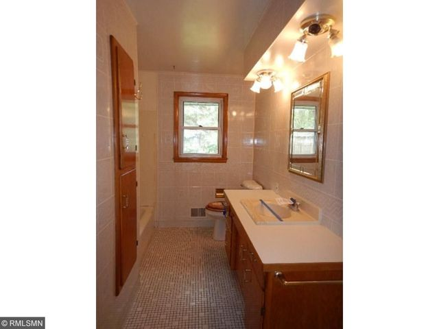 1612 Oak St, Hastings, Mn 55033 - Realtor.Com®