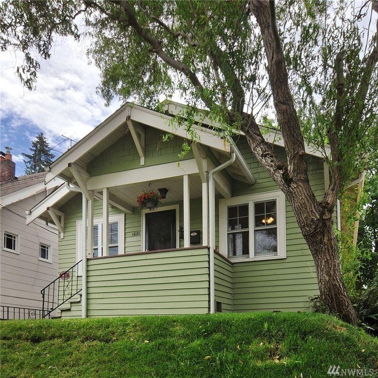 1621 N 49th St, Seattle, WA 98103