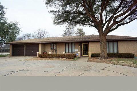 1715 E Tate St, Brownfield, TX 79316