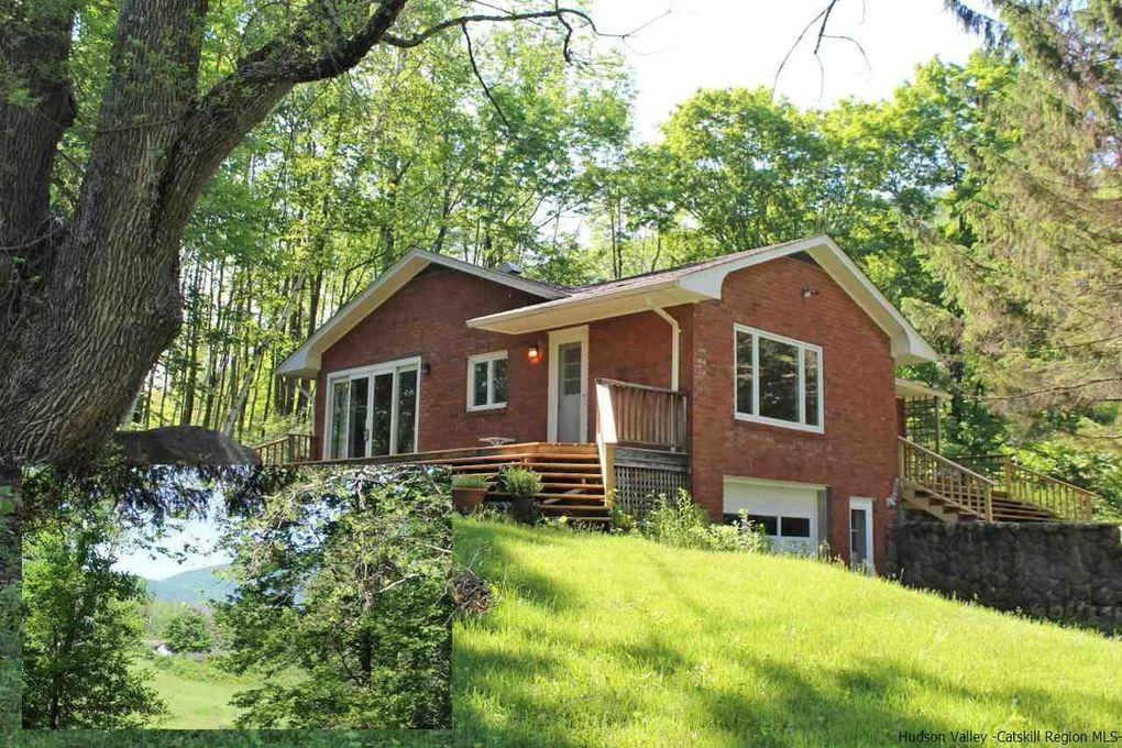 452 Coldbrook Rd Bearsville, NY 12409