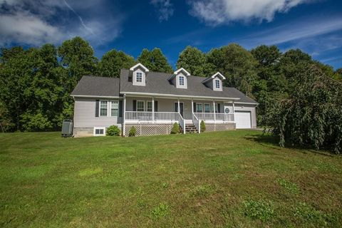 226 Hylton Loop Rd, Coal City, WV 25823