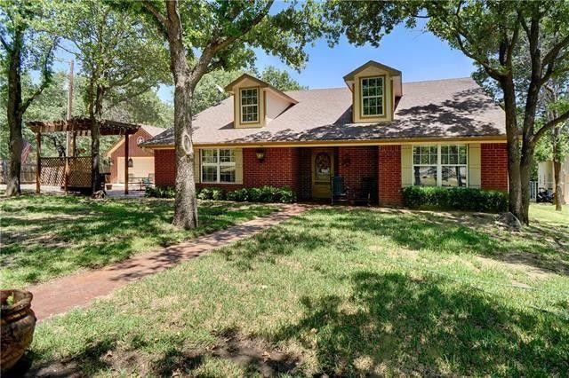 299 Faye Ln Springtown TX 76082