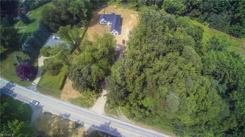 Valley View Rd, Northfield Center, OH 44067