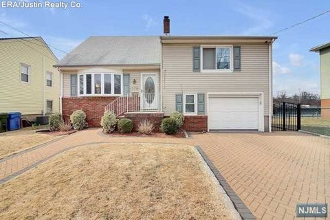 Photo of 378 Riverside Ave, Rutherford, NJ 07070