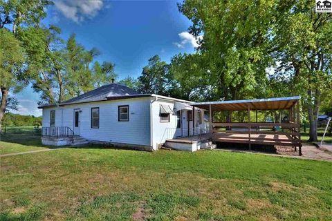 330 E Kansas Ave, Little River, KS 67457