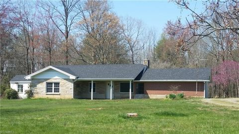 Enjoyable Wilkes County Nc Real Estate Homes For Sale Realtor Com Download Free Architecture Designs Rallybritishbridgeorg