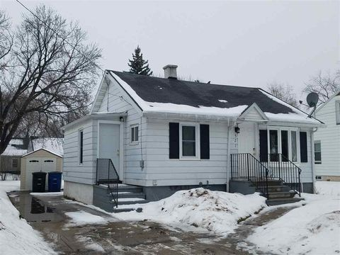 Photo of 527 Morris Ave, Green Bay, WI 54304