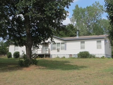 2781 County Street 2767, Cement, OK 73017