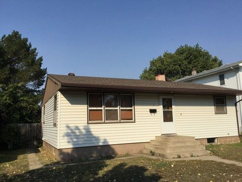 313 W 2nd Ave, Mobridge, SD 57601