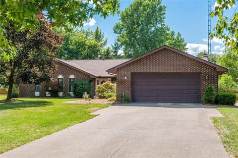 1145 Meadow Lark Dr, Enon, OH 45323