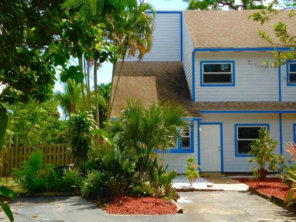 9243 Green Meadows Way, Palm Beach Gardens, FL 33418 - realtor.com®
