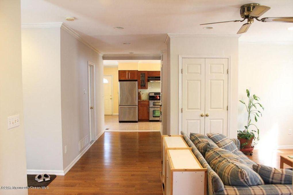 937 Woodland Dr Lakewood NJ 08701