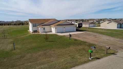 Photo of 5627 Kayley Dr, Bismarck, ND 58504