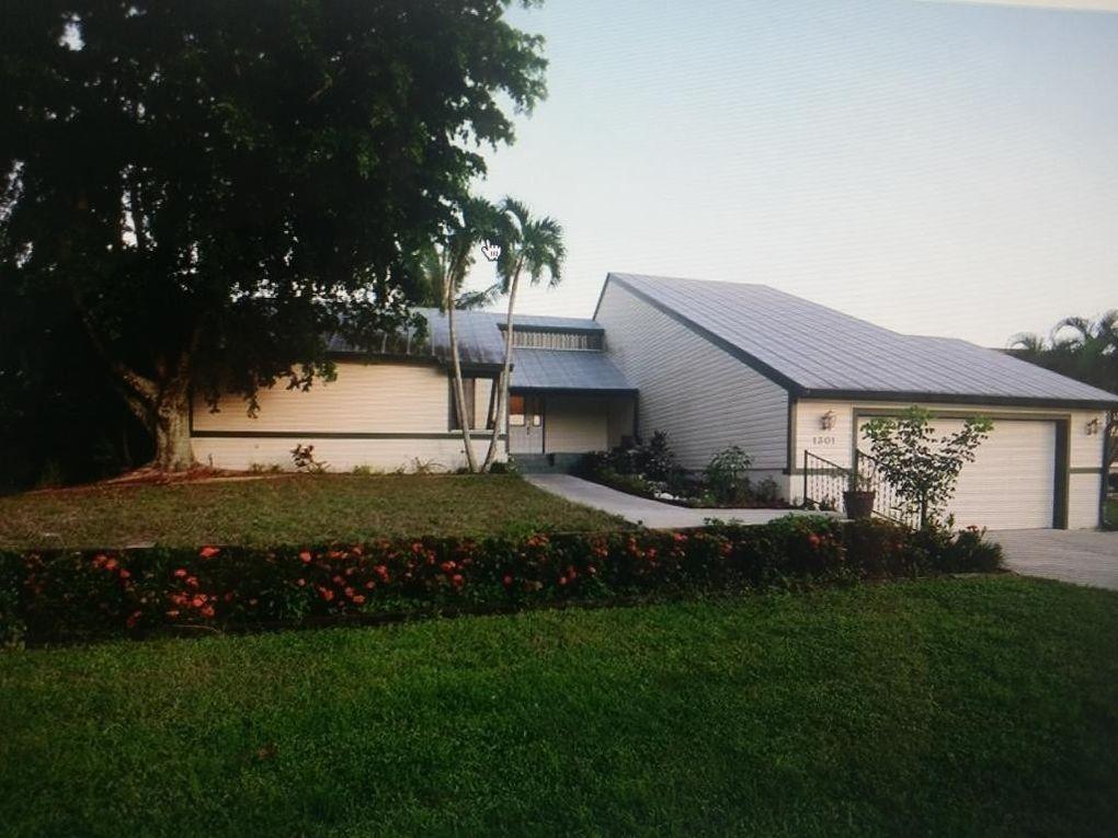 1301 Riverhead Ave, Marco Island, FL 34145 - realtor.com®