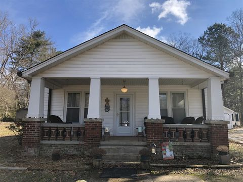609 Westside Dr, Tullahoma, TN 37388