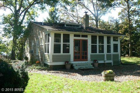 414 Brown St, Washington Grove, MD 20880