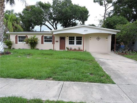 Photo of 6007 Crest Hill Dr, Tampa, FL 33615