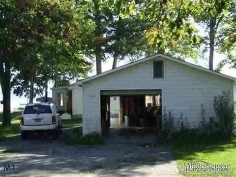 394 N Black River Rd, Grant, MI 49765
