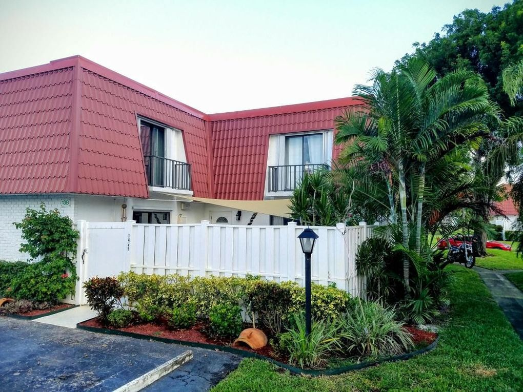 1402 Oxford Ln, Boynton Beach, FL 33426