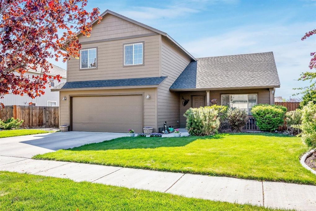2505 NW 12th St Redmond, OR 97756