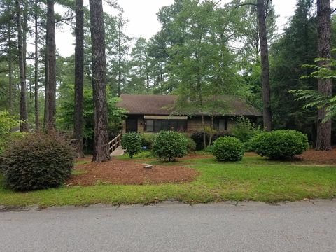 500 S Valley Rd, Southern Pines, NC 28387