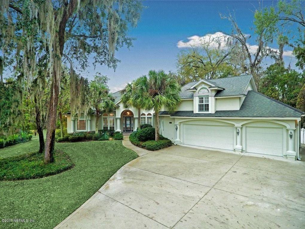 857 Peppervine Ave, Saint Johns, FL 32259