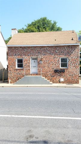 Photo of 457 W South St Apt D, Frederick, MD 21701