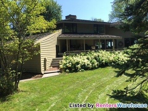 Photo of 5126 Country Club Beach Rd, Port Washington, WI 53074