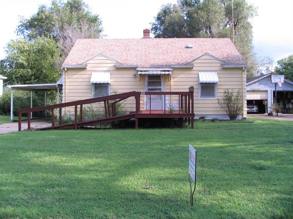 210 Old Manor Rd Ellinwood, KS 67526