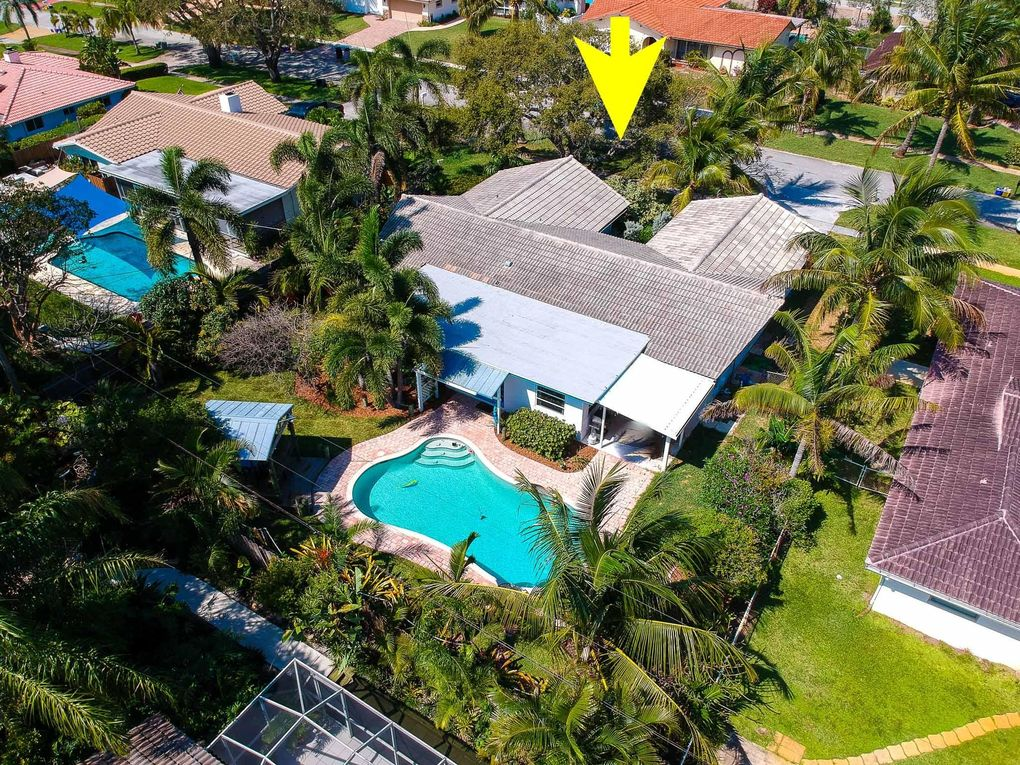 1874 Crafton Rd, North Palm Beach, FL 33408
