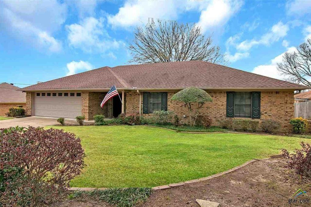 2904 Crossroads Dr, Longview, TX 75605
