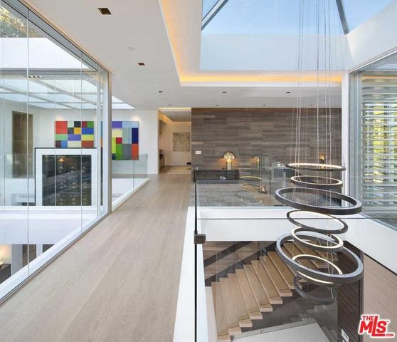 Luxury House In Los Angeles California: 1307 Sierra Alta Way, Los Angeles, CA 90069
